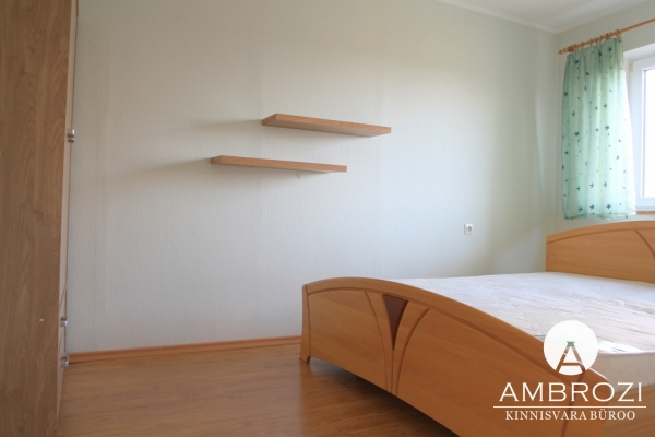 On a quiet and private street of the Kristine district, comfortable 2-bedroom apartment, Vindi 8