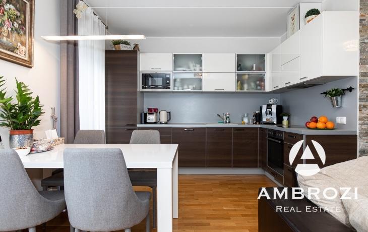 Чудесная и максимально комфортная! С удачной планировкой, 3-х комнатная квартира с двумя лоджиями и паркингом, Vana Kuuli 1